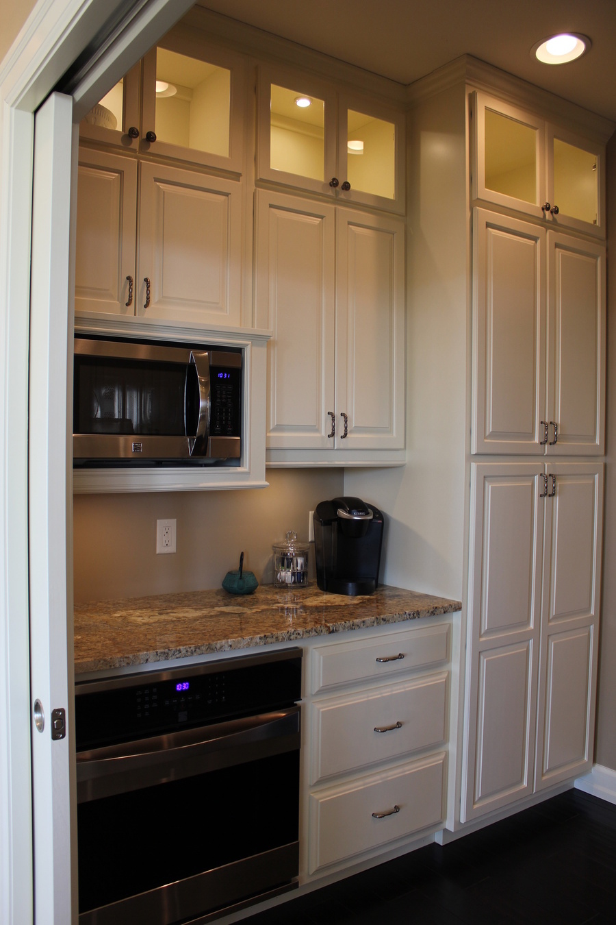 Full Set of White Painted Birch Kitchen Cabinets and Granite Counters