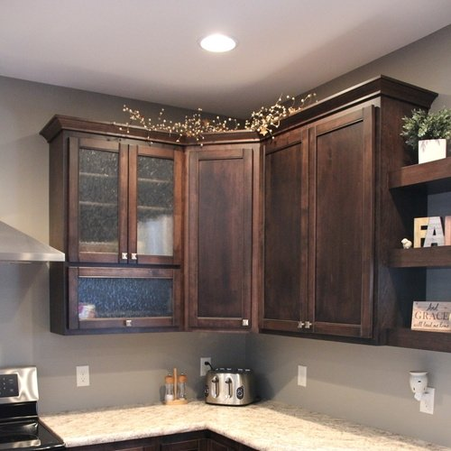 Kitchen Mocha Birch Laminate Cabinets with Front Glass