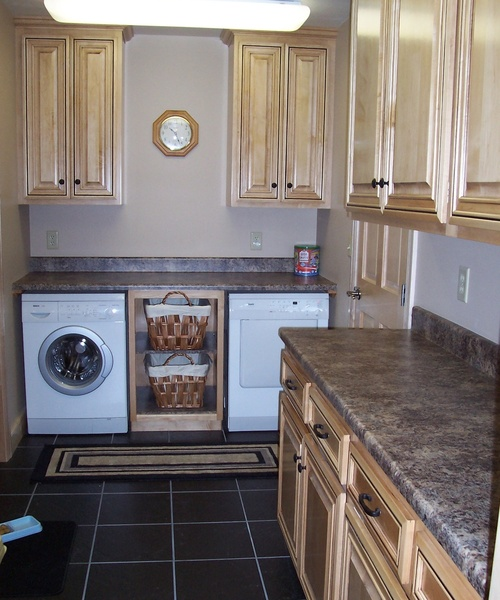 Laundry Room Natural Maple Laminate 1