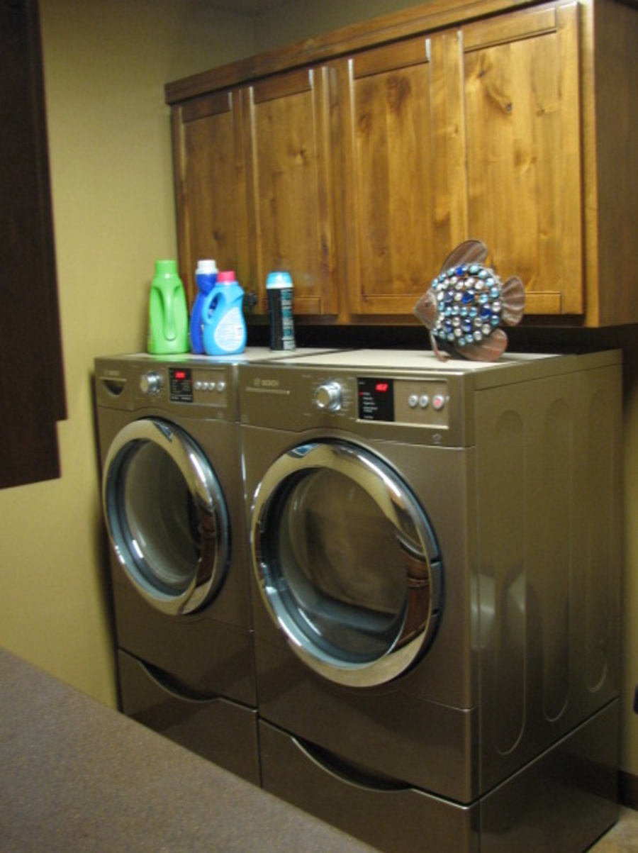 Laundry Fruitwood Knotty Alder 1